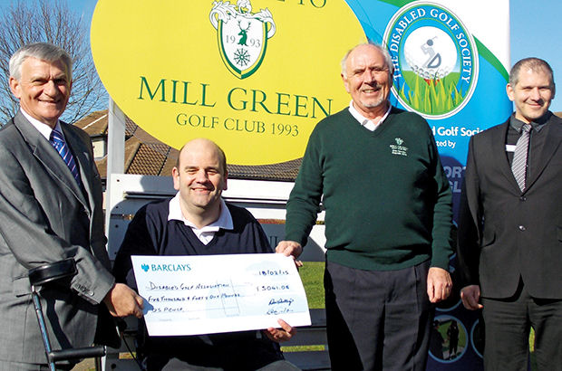 Herts club chips in for Disabled Golf Association