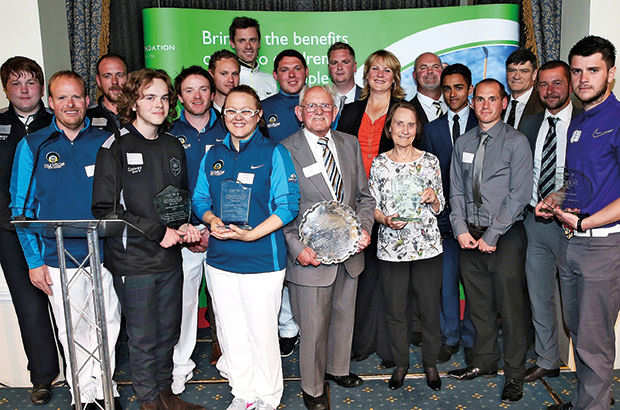 \'Heroes\' take centre stage at awards bash