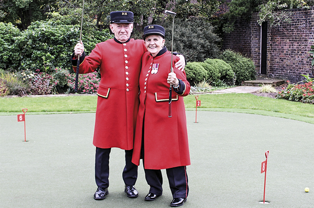 Chelsea Pensioners love the new Huxley putting green
