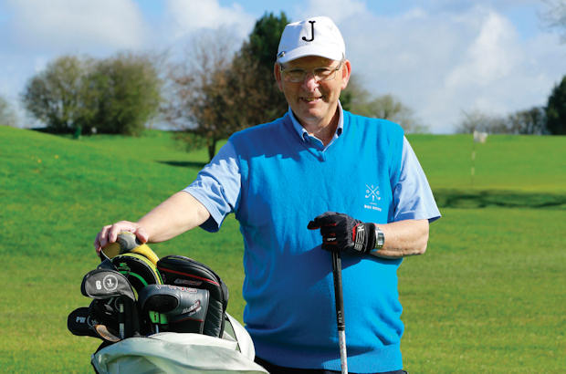 Knees-y does it for Yorkshire golfer Jeff